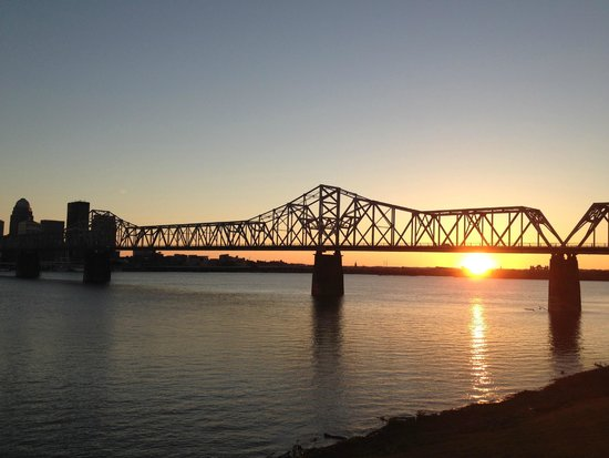 Buckhead Mountain Grill: Beautiful Sunset from the Deck of Buckheads in Jeffersonville