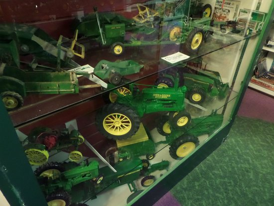 Massive John Deere toy collection - Picture of World s Largest Toy ... fb123f73b