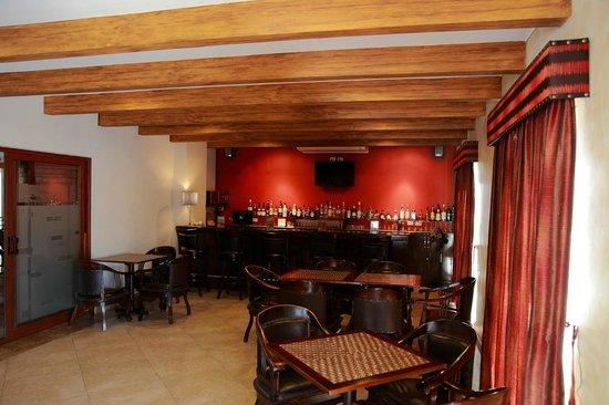 Seven Crown La Paz Centro : Bar
