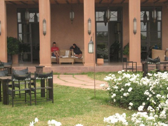Ecolodge Quaryati : porche del edificio principal