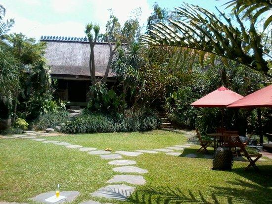 Villa Arya Ubud : Villa Arya - view of our villa from the outside