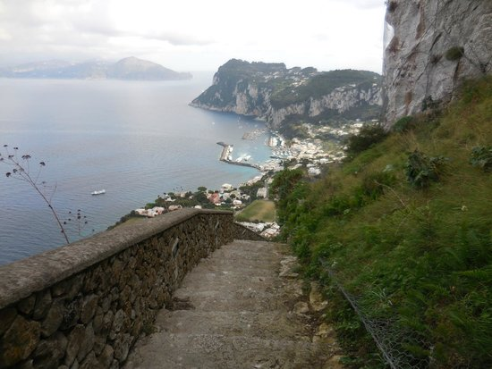 Scala Fenicia (Phoenician Steps) : The steps get steep at times