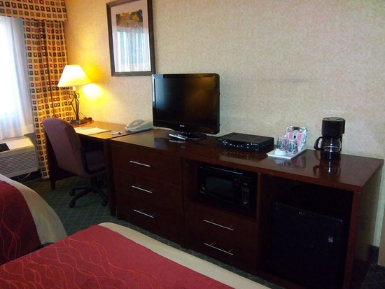 Comfort Inn & Suites Los Alamos: Two Queen bed