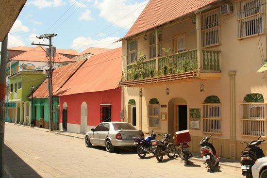 Hotel Peten : la fachada del hotel