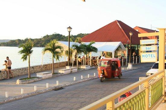 Hotel Peten : la terraza