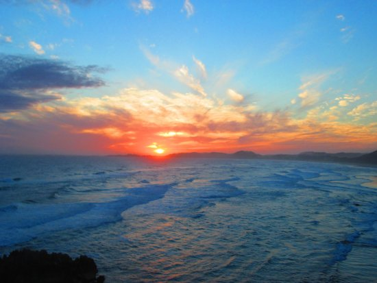 Bay View Guest Apartments: Sunset on Brenton-On Sea Beach