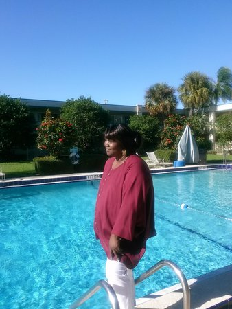 BEST WESTERN Downtown Stuart: A beautiful day for  a swim
