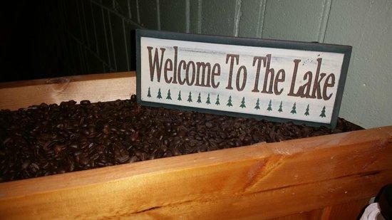 Hiawatha Lodge Inn: Breakfast Area