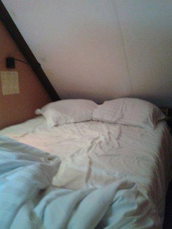 Hotel Salvators: cama