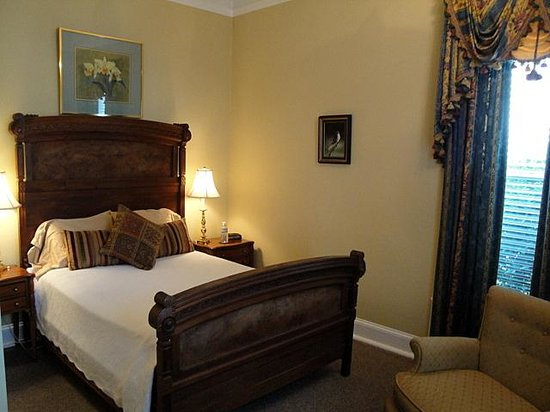 Bluff View Inn: Chambliss Room, Thompson House