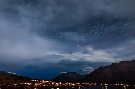 Larch Hill Homestay Bed and Breakfast: Stars over Queenstown