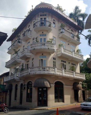 LAS CLEMENTINAS HOTEL