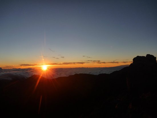 Maui Sunriders : Sunrise from the mountain top