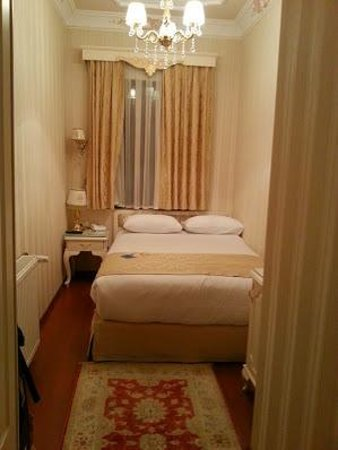 Enderun Hotel Istanbul: Room 302- Small Room