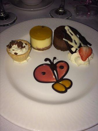 Crowne Plaza Hotel Dublin Airport : Desert taster