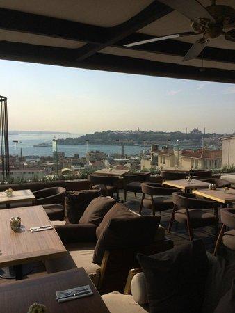 Georges Hotel Galata : World class breakfast