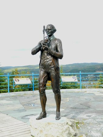 Corner Brook, Canada: Captain James Cook Statue