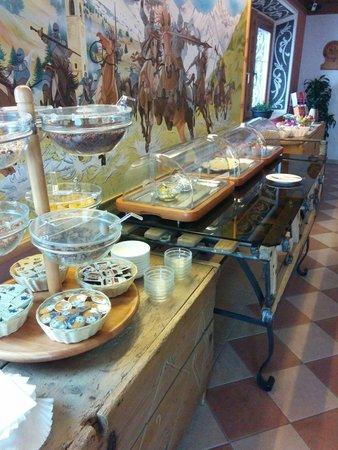 Hotel Duc de Rohan: Buffet mattutino