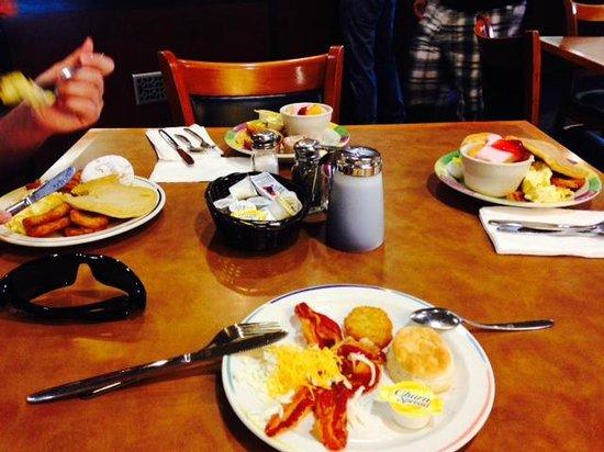 Clarion Inn Lake Buena Vista: Cafe da manhã