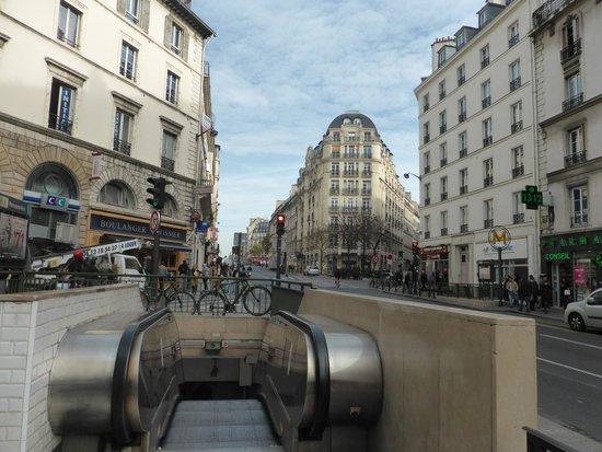 Best Western Premier Faubourg 88 : EIngang Metro