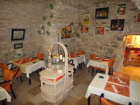 Salle manger vo t e picture of la maison des chanoines for Restaurant la salle a manger paris