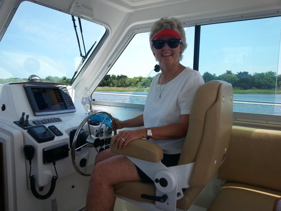 Captain Betsy Boating Tours