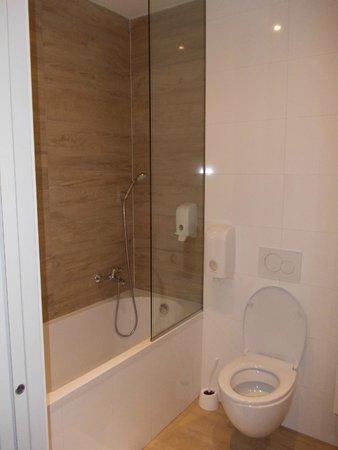 Hotel Emonec: Bagno