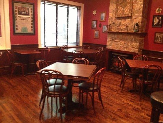 McKeown's : Spacious Dinning Room