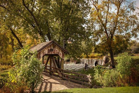 Beckman Mill : The bridge