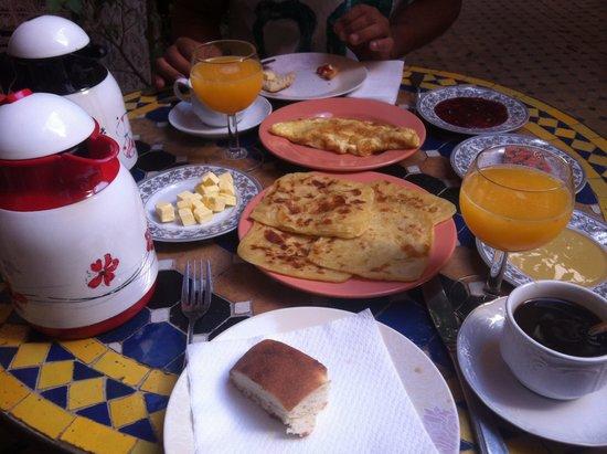 Dar Moulay Ali: Desayuno