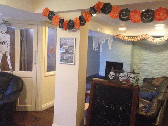 Times Hostels - Camden Place: Decoração de Halloween