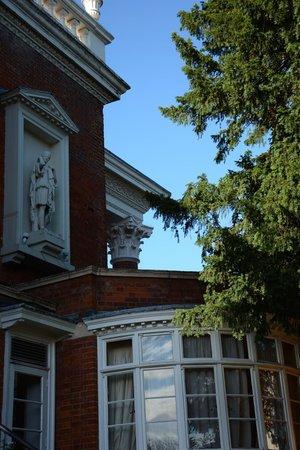 Hendon Hall Hotel: Fassade