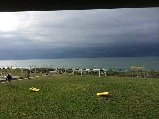 Seahawk Inn & Villas : View from our balcony