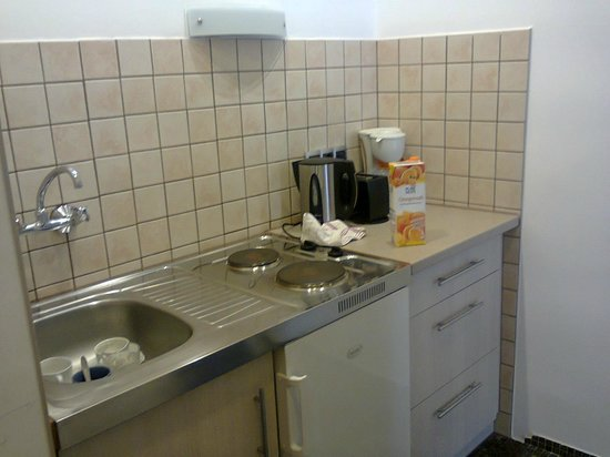 Rothensteiner Apartments: kitchenette