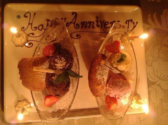 White Gables Restaurant : Surprise dessert