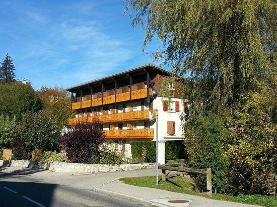 La Roseraie : façade