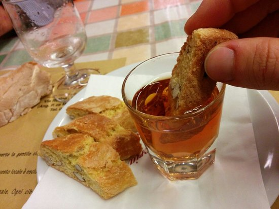 Resultado de imagen de Cantuccini con vin santo