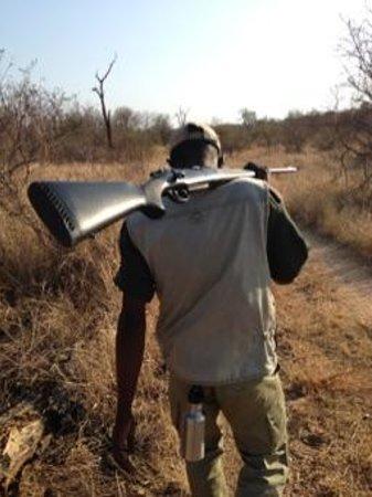 Garonga Safari Camp: Walking through the reserve with Elvis.