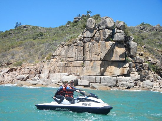 Magnetic Jet Adrenalin Jet Ski Tours: Amazing rocks