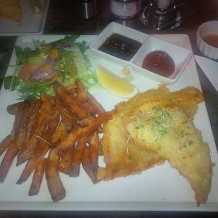 Amazing fish 39 n 39 chips picture of harry 39 s reykjavik for Eds fish and chips