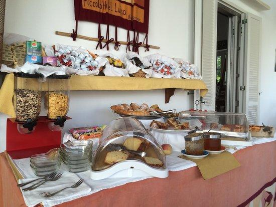 Piccolo Hotel Luisa: Breakfast