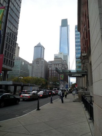 Le Meridien Philadelphia: Hotel e panorama sulla Comcast tower