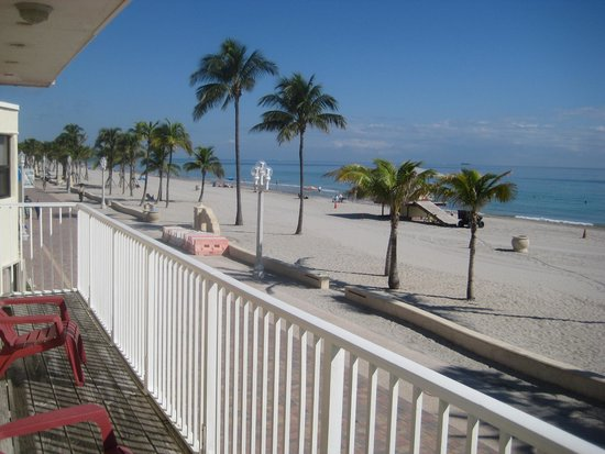 Paradise Oceanfront Hotel: Ocean and Beach at your doorstep!!