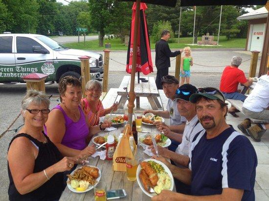 Mallorytown's Landing Restaurant Trattatoria : Patio