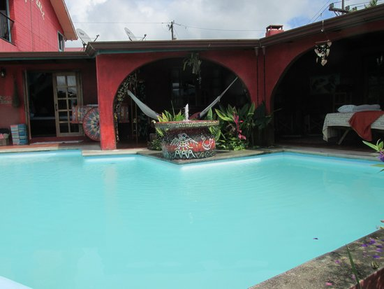 Toad Hall Hotel Arenal: pool area