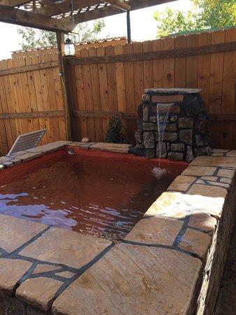 """Riverbend Hot Springs: """"Tierra"""" private pool"""