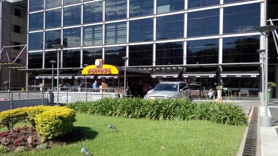 Gourmet Porteno: Frente do restaurante/fachada
