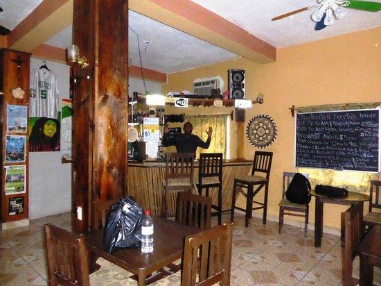 Hotel El Estadio: Common Room/Bar