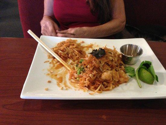 Oudom Thai & Sushi Restaurant : Pad Thai at Oudom Thai is Great