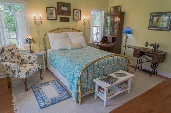 Alexandra's House: Ashley room
